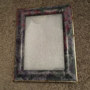"Retro floral standing picture frame for 5"" x 7"""